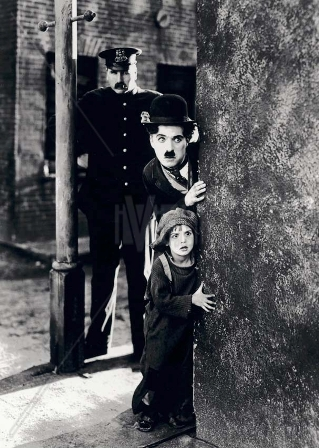TOM WILSON, CHARLES CHAPLIN & JACKIE COOGAN in The Kid *Editorial Use Only* www.capitalpictures.com sales@capitalpictures.com Supplied by Capital Pictures